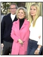 Austin Powers in Goldmember Premiere: Gwyneth Paltrow with dad Bruce Paltrow and mom Bythe Danner