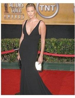 2006 SAG Awards Fashion Photo: Charlize Theron