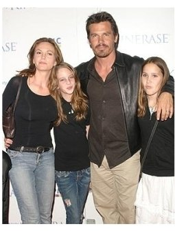 Courteney Cox Arquette and Kinerase Host Fundraiser for EBMRF Photos: Diane Lane, Josh Brolin and Family