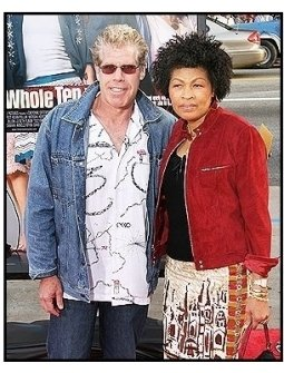 """Ron Perlman and wife Opal at """"The Whole Ten Yards"""" Premiere"""