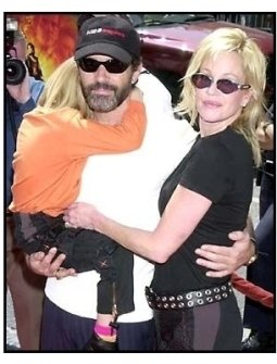 Spy Kids 2 The Island of Lost Dreams Premiere: Antonio Banderas with wife Melanie Griffith and daughter Stella