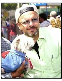 Joe Pantoliano and dog at the Cats and Dogs premiere