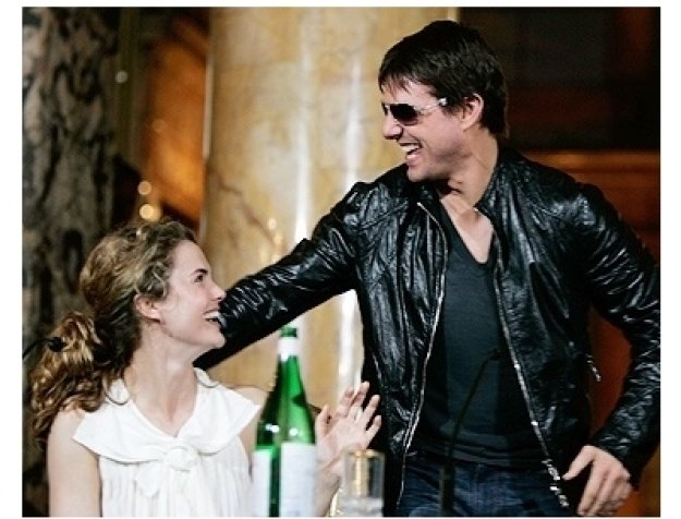 Keri Russell and Tom Cruise