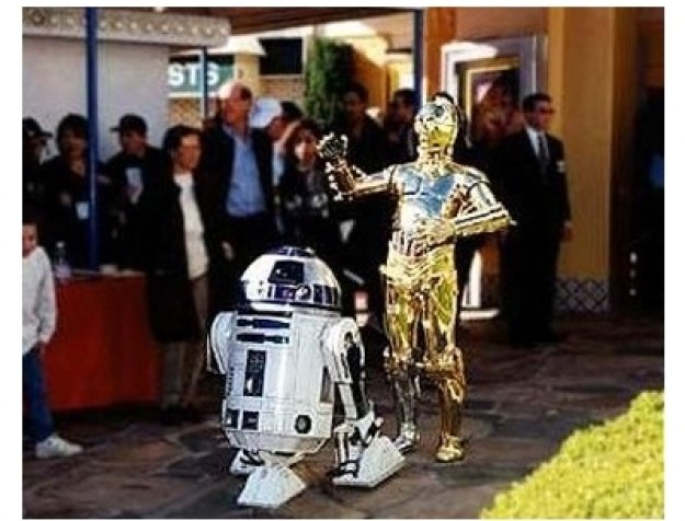 R2-D2 & C3PO at the Star Wars: Episode IV -- A New Hope premiere