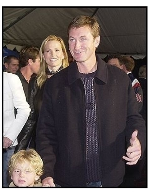 """Wayne Gretzky and family at the """"Miracle"""" premiere"""