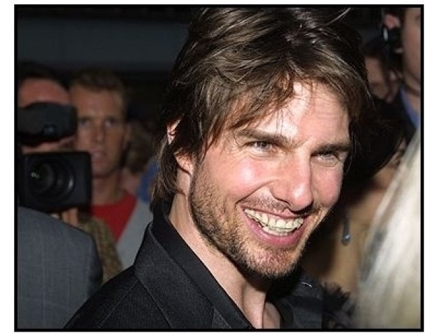 Tom Cruise big smile at the Minority Report premiere